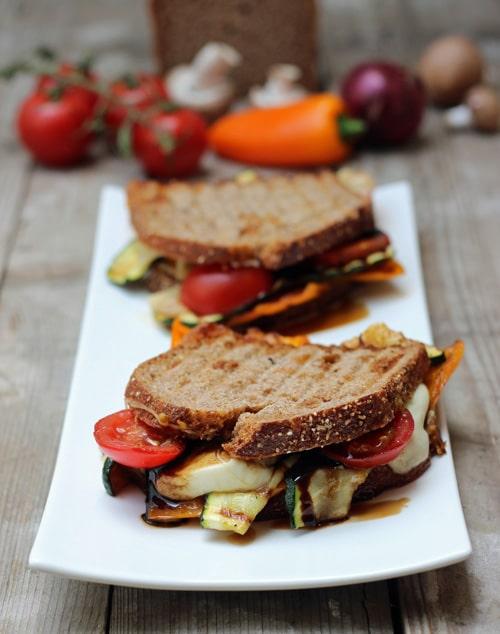 Sandwich gegrilltes Gemüse