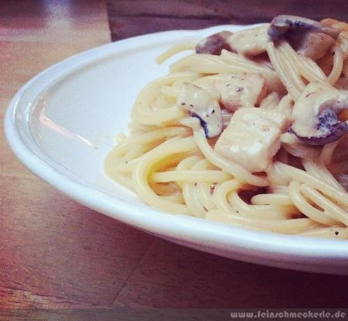 rezept pasta huhn sahne sosse champignons