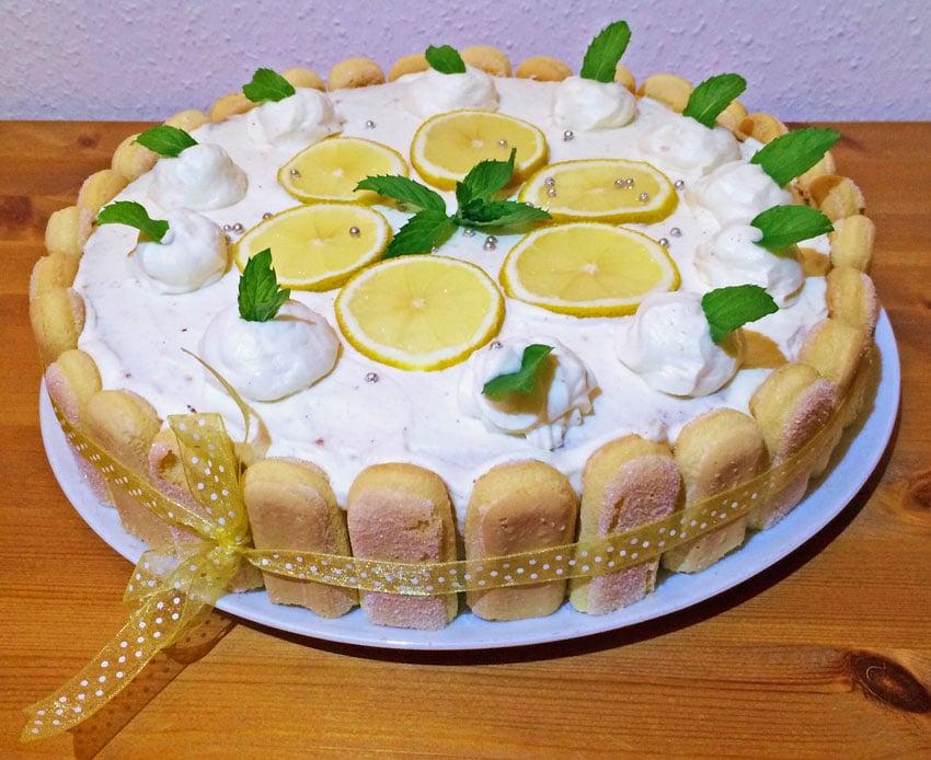 Erfrischender Torten-Traum: Zitronen Quark Charlotte