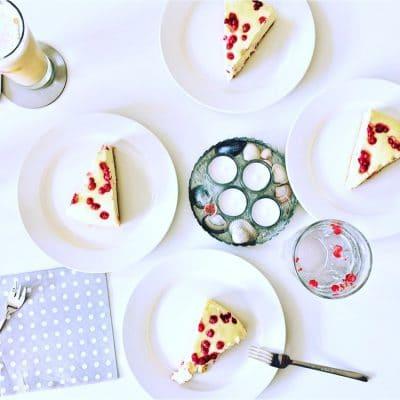 Cheesecake mit Johannisbeeren und Knusperboden